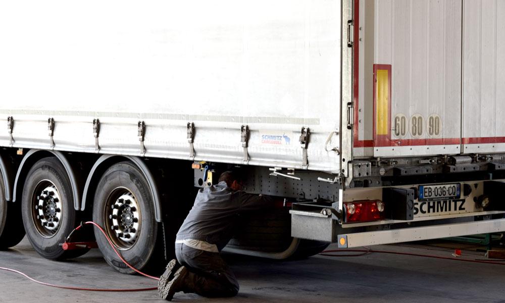 Mécanicien Poids Lourds Transports Daniel Et Demont